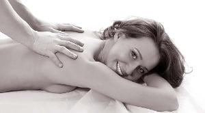 массаж спины женщине