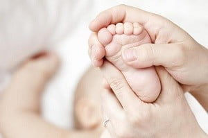 3 месяца ребенку развитие и игры массаж