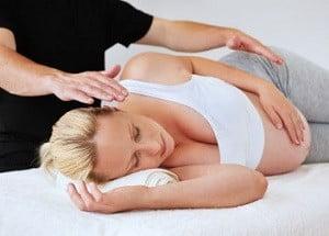 можно ли беременным массаж